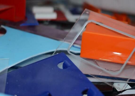 Цветное оргстекло отходы