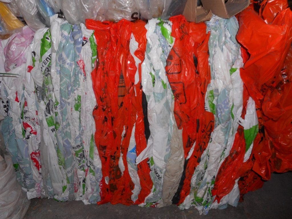 Отходы стрейч-плёнки цветные чистые_1