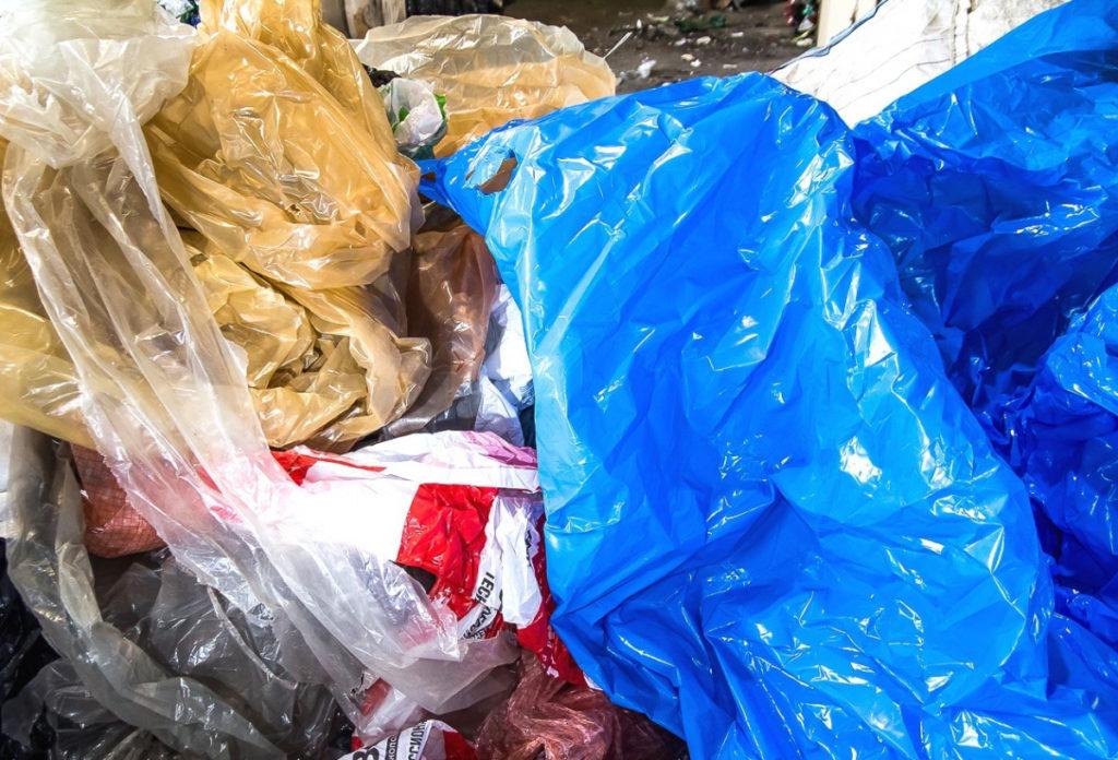 Отходы стрейч-плёнки цветные чистые_4